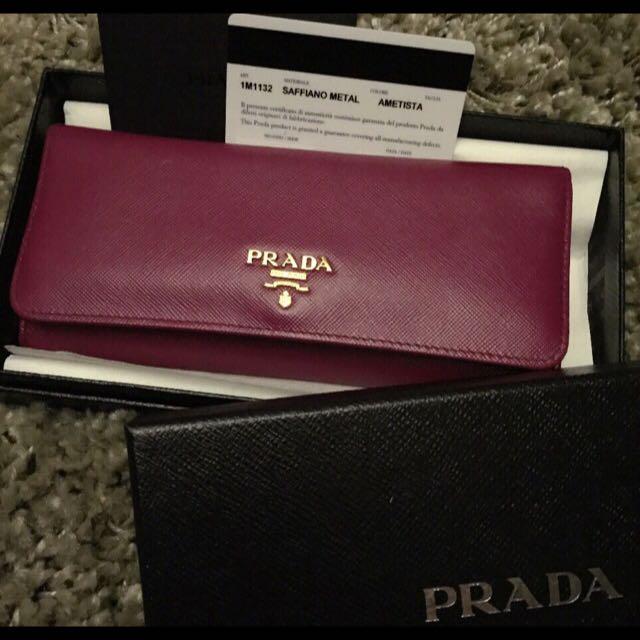 2dcb32e49e7129 Preloved PRADA Saffiano Metal Ametista Wallet, Luxury on Carousell