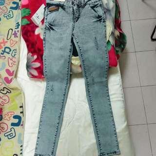 (全新)窄版牛仔褲