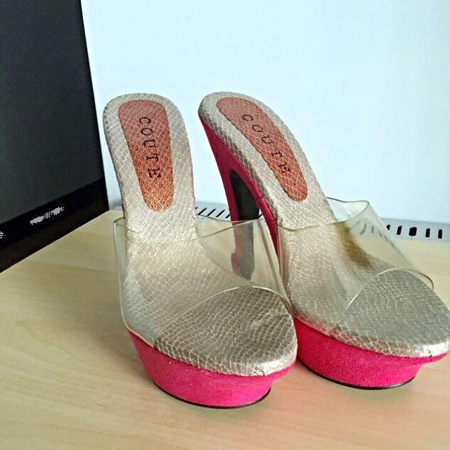 330含郵,全新性感透明的高跟涼鞋23.5