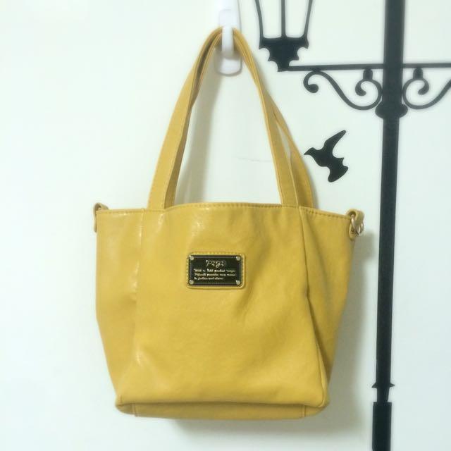 黃色包包,兩種造型,附側背帶