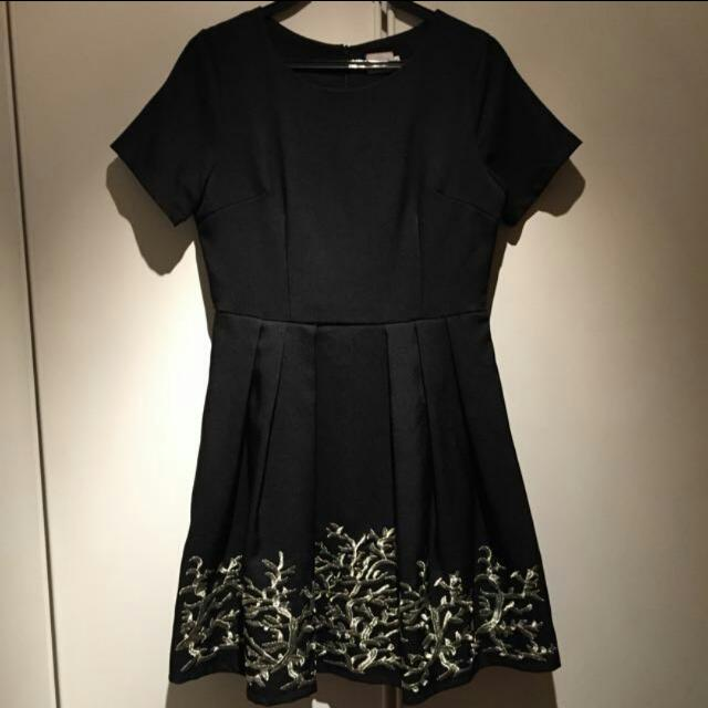 *REDUCED* BN Korean Black Flowy Dress With Cap Sleeves And Gold Detailing