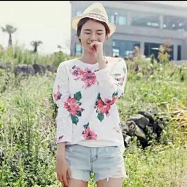 *REDUCED* BNIB Rosebullet Inspired Korean Style Summer Floral Pullover
