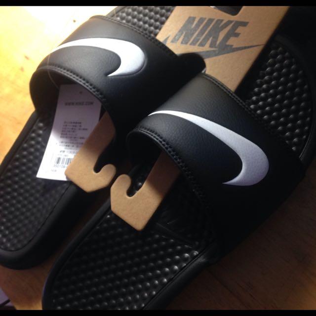 Nike Benassi Swoosh 黑白 拖鞋