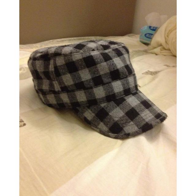 灰色格菱毛料軍帽