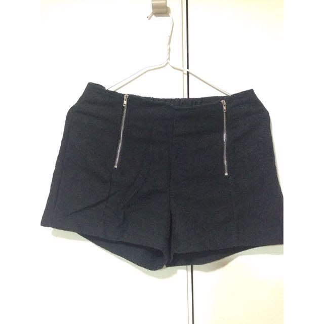 黑色蕾絲短褲