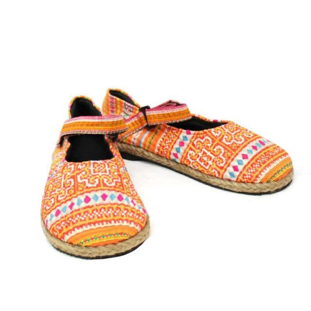 橘色民族風娃娃鞋