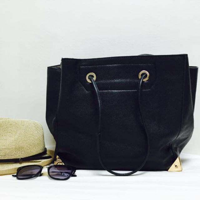 降價🎉黑色金屬皮革包包