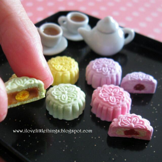 Miniature Mooncakes Set