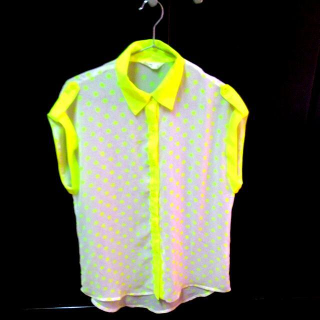 <降><穿過一次>Net 螢光黃點點透膚無袖襯衫