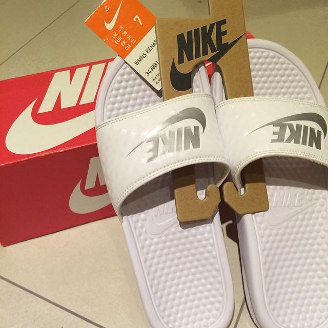 (保留)Nike 白銀拖鞋