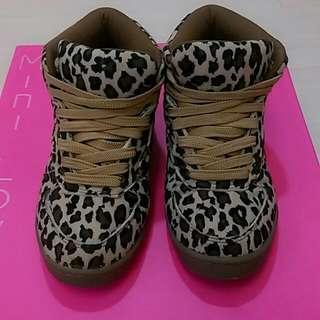 豹紋休閒鞋(富發)