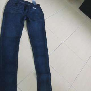 Like New Levis Skinny Jeans Size 24