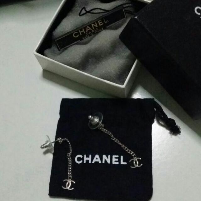Item: preloved chanel earrings