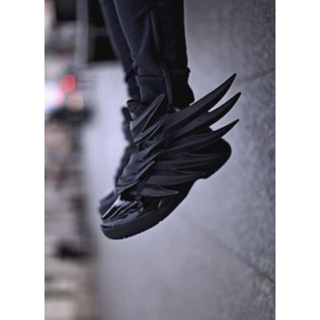 Po) adidas js ali cavaliere oscuro nero batman jeremy scott, uomini