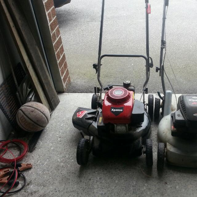 Three Good Condition Lawnmower 1 Side Thrower 1 Mulger 1 With Catcher