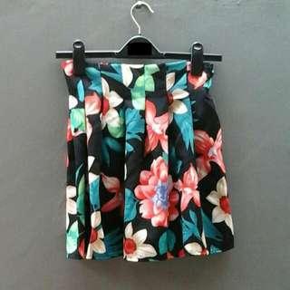 Silky Flolar Mini Skirt