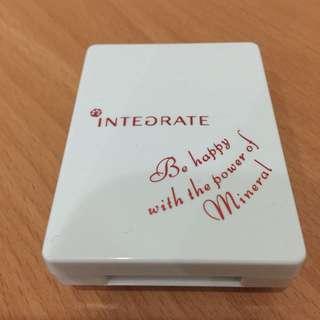 INTEGRATE 蜜粉盒
