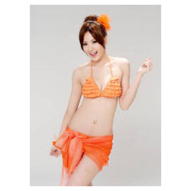 安心亞 韓國安耐曬款全新泳裝( 黃色)