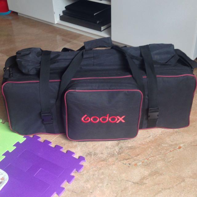 Godox Lighting Set.