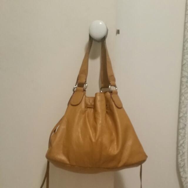 Handbag - Trendy Tan H&M bag
