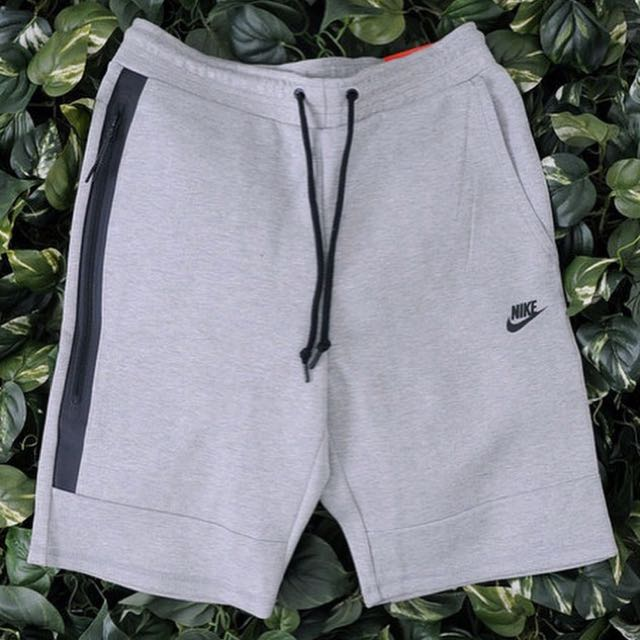 Nike Tech Fleece Shorts 潛水材質束口綿短褲 超好看👀 淺灰色