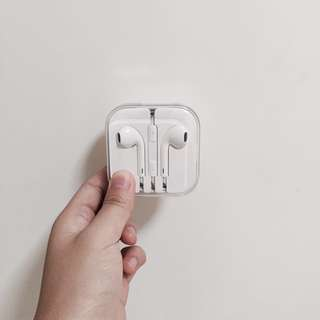 BRAND NEW Iphone Earplugs