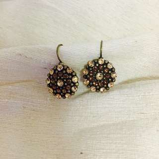 Earring With Brown Beads