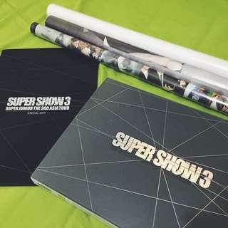 ⬇️【轉讓】Super Junior 演唱會寫真書(贈SJ相關海報*3)