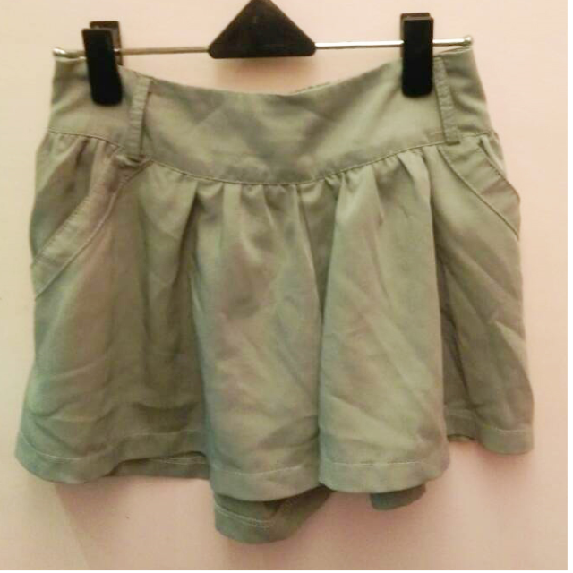 淺灰色 厚雪紡 鬆緊腰帶 褲裙 有口袋