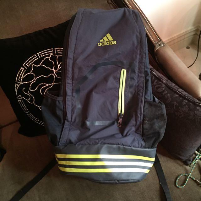 愛迪達 Adidas 黑底螢光後背包