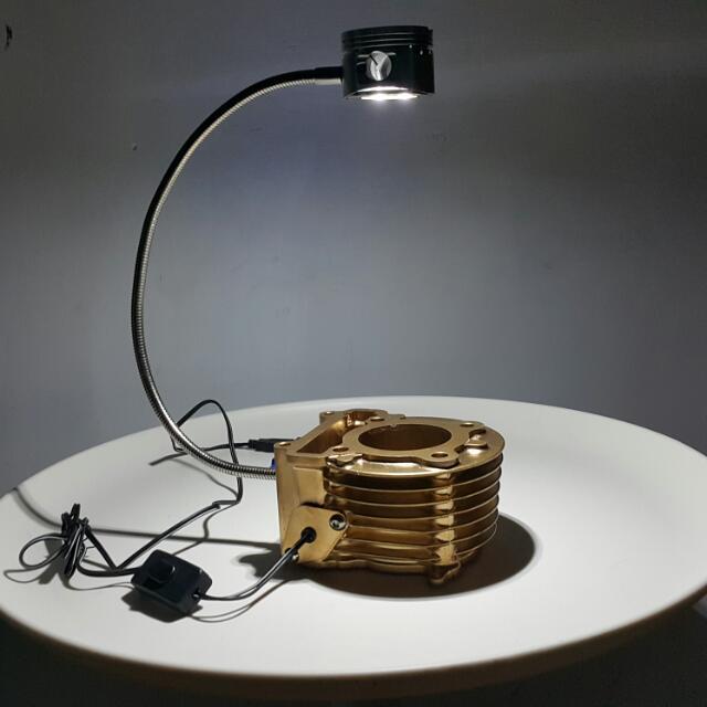 工藝風高亮度LED活塞汽缸臺燈數量有限(本島含運)