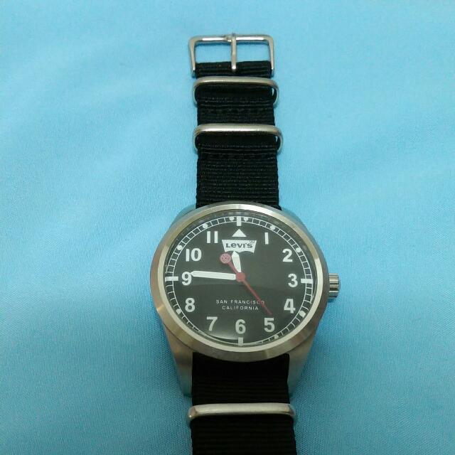 Levi's 帆布帶手錶💗