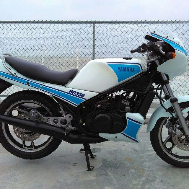 yamaha rd350 ypvs motorbikes on carousell. Black Bedroom Furniture Sets. Home Design Ideas