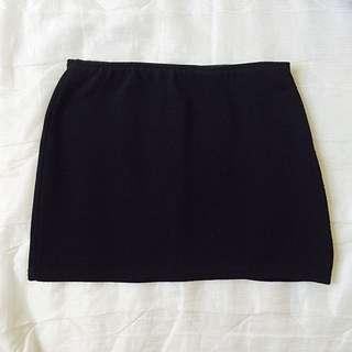 黑色緊身短裙