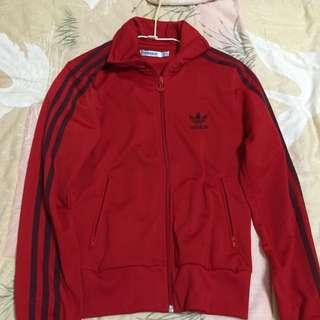 Adidas 運動外套 尺寸34 九成新 保證正品 含運