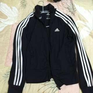 Adidas 女版 運動外套 八成五新 尺寸:XS 含運 保證正品