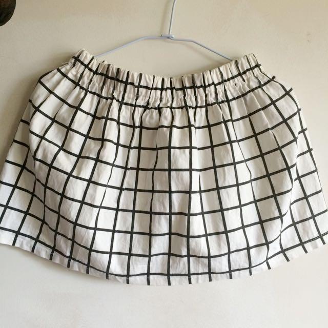 格紋黑白短裙