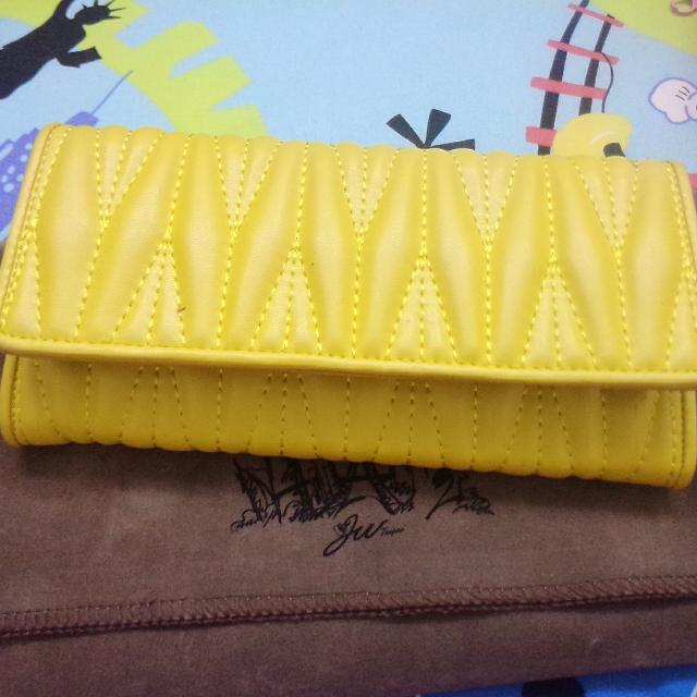 鮮黃色皮夾