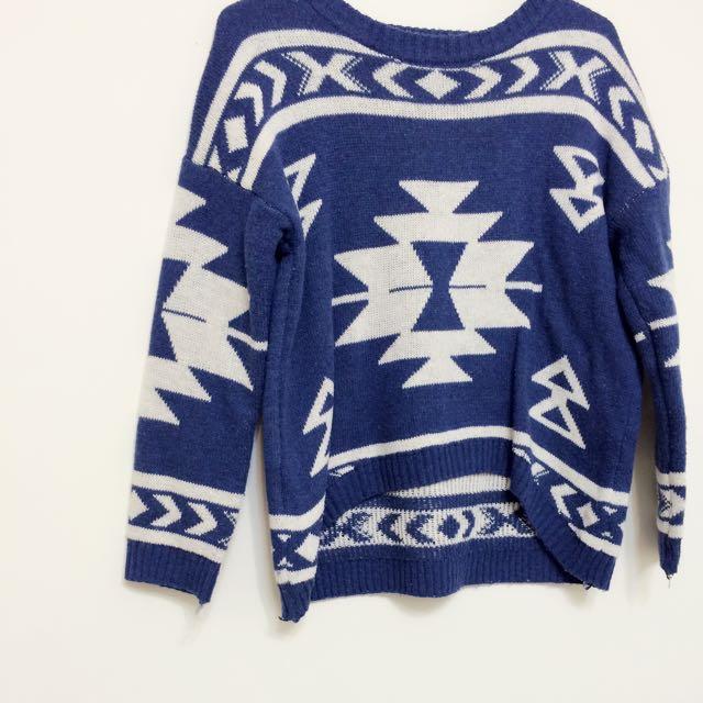 (出清)前短後長幾何圖案古著毛衣