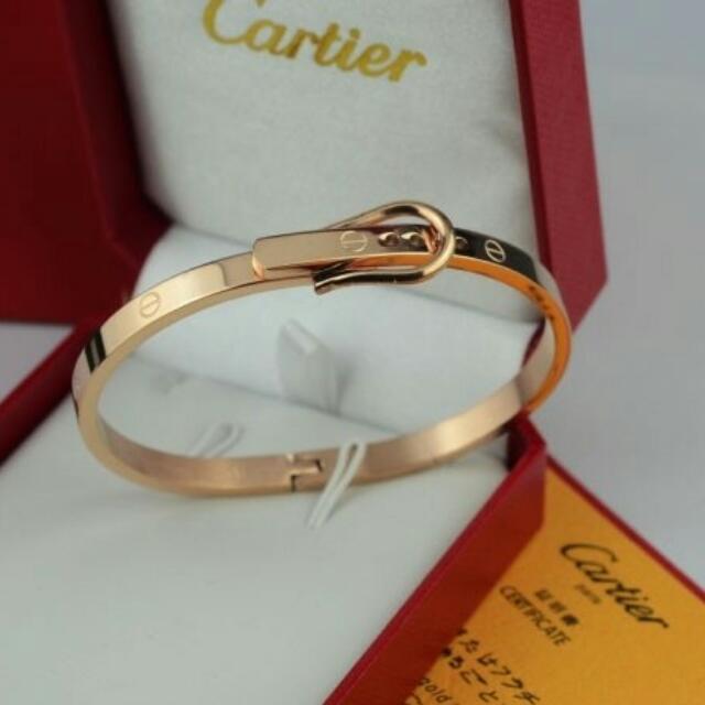 降價便宜賣全新Cartier經典Love玫瑰金手環