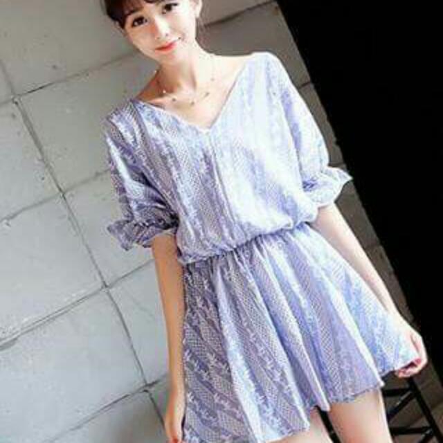 『夏出清賠售』娃娃衫V領繡花蝙蝠袖連衣裙(藍色)