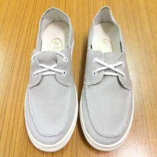 ‼️️出清 免運 綁帶時尚灰氣墊休閒鞋 平底鞋