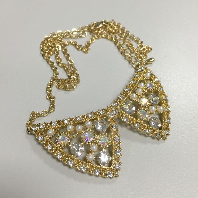 正韓 鏤空雕花蕾絲滾邊鑲鑽珍珠蛋白石蝴蝶結假領項鍊