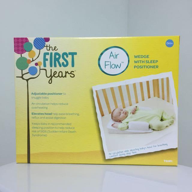 嬰兒  可調式側睡枕連床墊(防溢奶、防嗆)