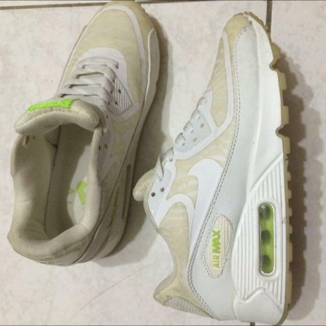 Nike Air Max 白色 夜光