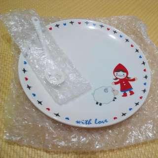 盤子跟瓷的叉子