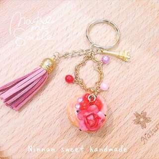 粉嫩莓果玫瑰鬆餅鑰匙圈