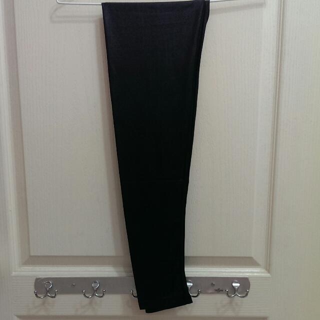 滑料黑色內搭褲