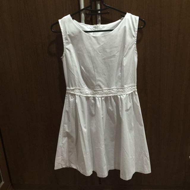 韓 純白洋裝