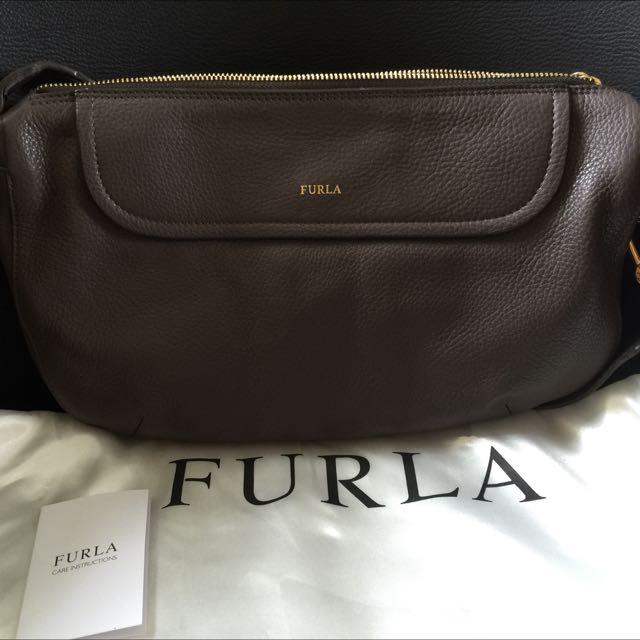 義大利品牌🇮🇹 FURLA 經典牛皮壓紋 肩背/斜背包 灰黑色 真皮
